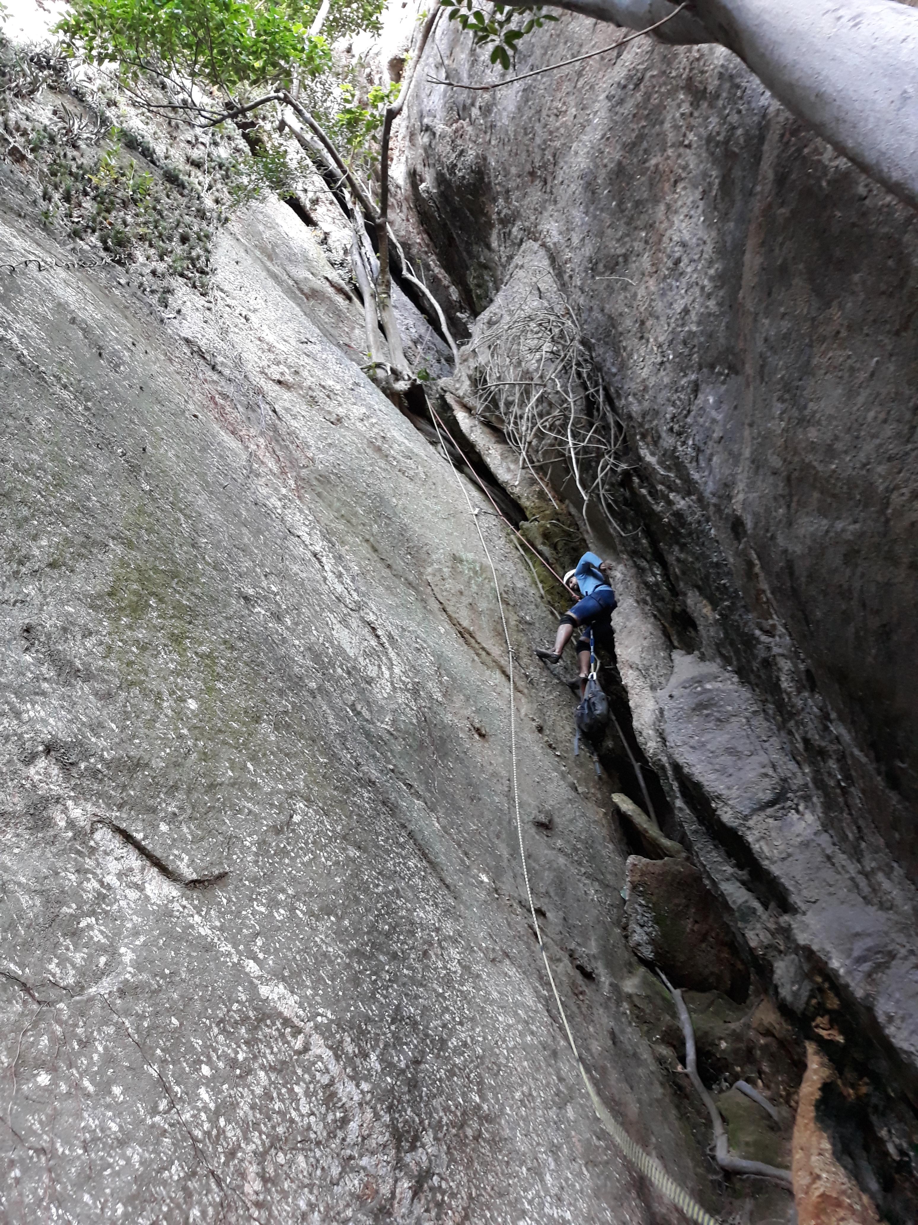 Início da escalada em chaminé