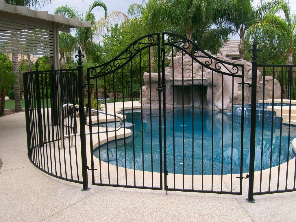 cancello piscina