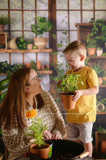 Mother's Day Mini Session - Friday April 30th, 10am