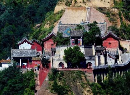 """Затерянный храм в горах Шаньси - """"Совершенство Дзен""""."""