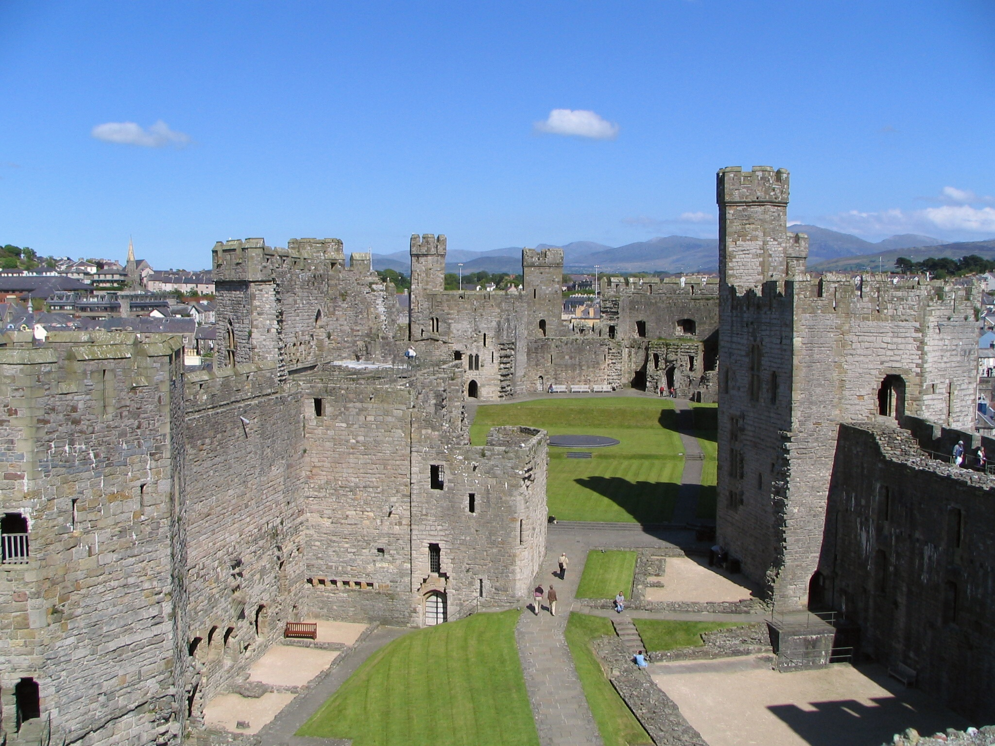 Уэльс. Замок Карнарвон.