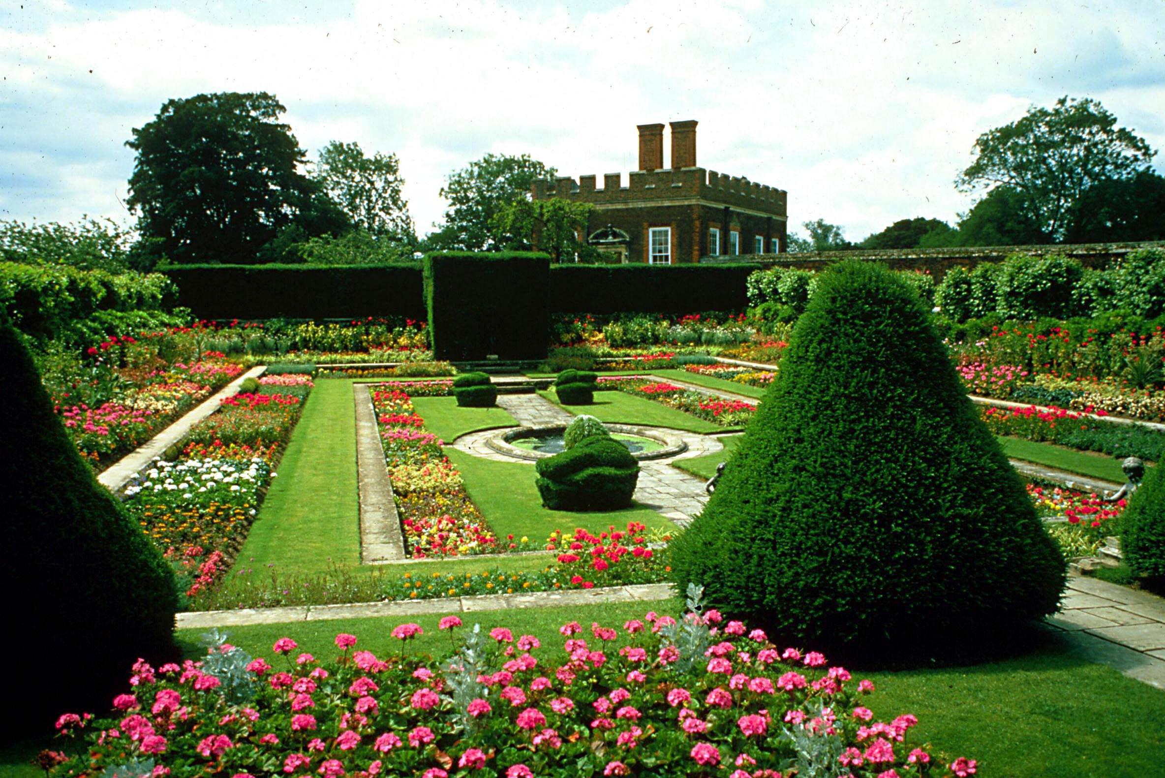 Сады Дворца Хэмптон Корт