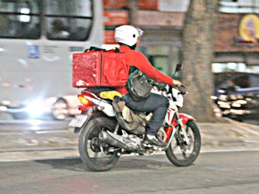 Motoboys que trabalham com delivery terão habilitação gratuita para segundo o governo do estado