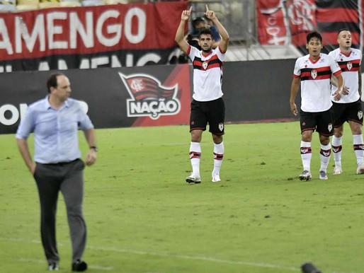 Rogerio Ceni diz que time que quer ser campeão não comete erros grotescos como o Flamengo comete.