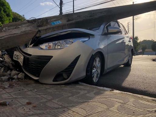Ex-vereador de João Pessoa Genivaldo Fausto bate em poste ao perder controle de veículo