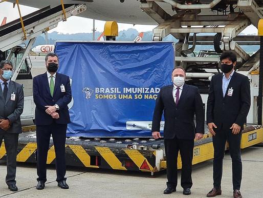Já está no Brasil carga de vacinas da AstraZeneca vindo da Índia