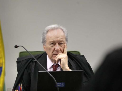 Lewandowski envia a Aras denúncia contra Bolsonaro e Pazuello por colapso no AM