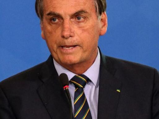 Bolsonaro volta a criticar governadores e prefeitos e chama de absurdo decisão do STF...