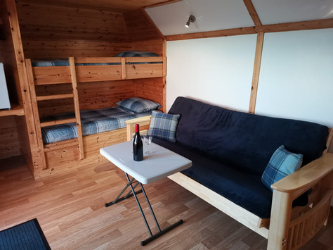 LIVING AREA - OYSTER-CATCHER POD