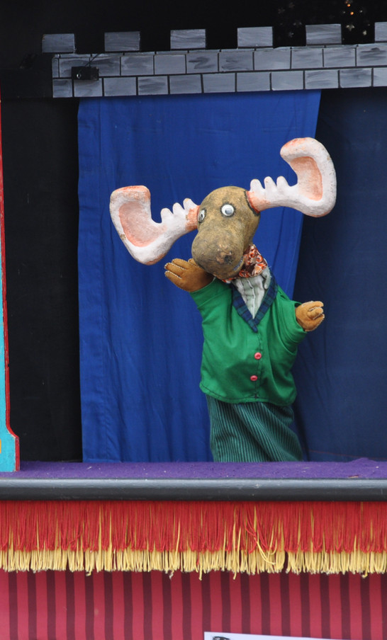 Puppet Show at Miner's Day, courtesy of Columbia Bank, the sponsor