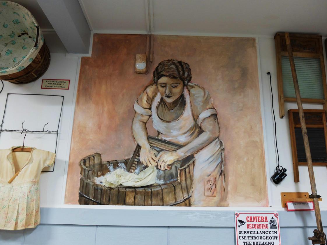 Musum Mural, Washday