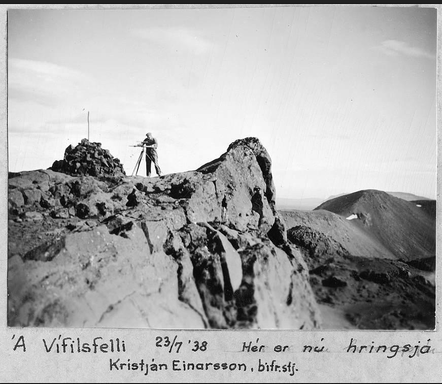 Toppur Vífilsfells í mars 1938.