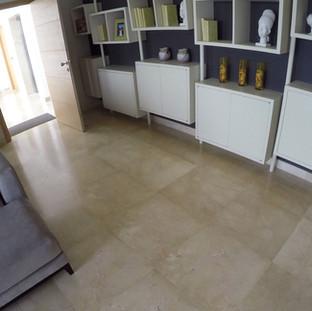 Hall en marbre Crema Marfil