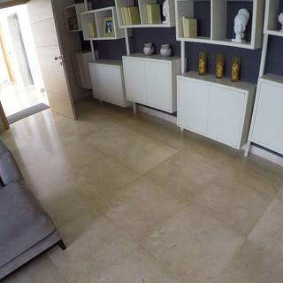 Crema Marfil room