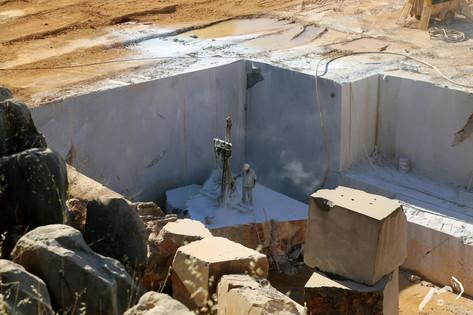 Extraction de marbre Gris Marengo