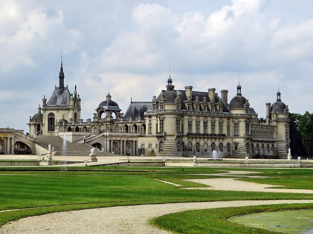 Les parterres du Château de Chantilly ©DEZALB