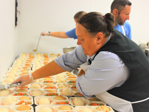 Food Lion Feeds helps prepare meals, restock shelves, and give our kitchen a little makeover.