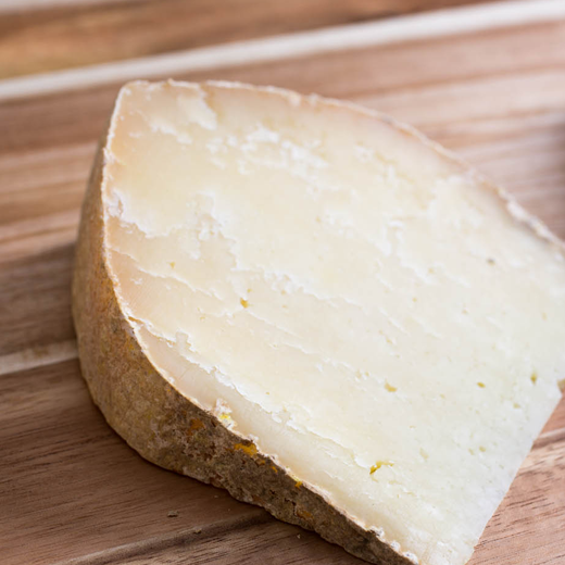 horsky zrejuci kozi syr