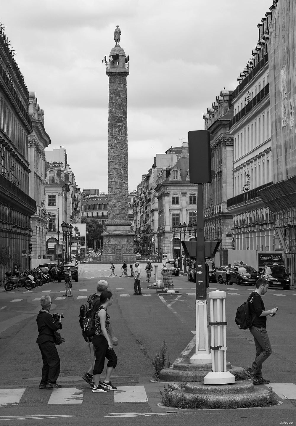 en passant rue de rivoli soudain comme un revival des Beatles - roguierphotos