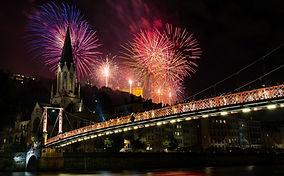 fireworks-1843175_1920.jpg