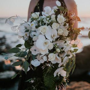 White cascading bridal bouquet Pacific city oregon