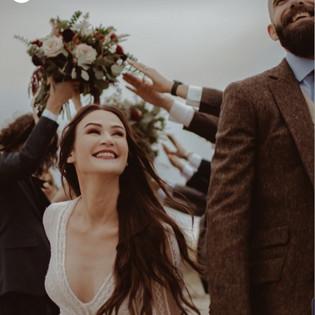 bride and groom bouquets manzanita orego