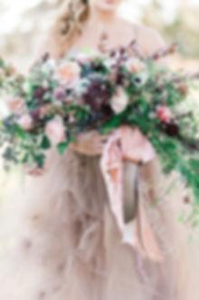 crecent bridal bouquet