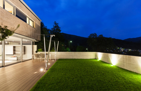 Amazing back yard lighting