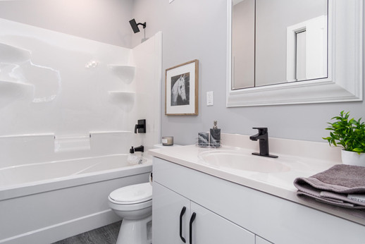 501 Stewart Build - Bathroom