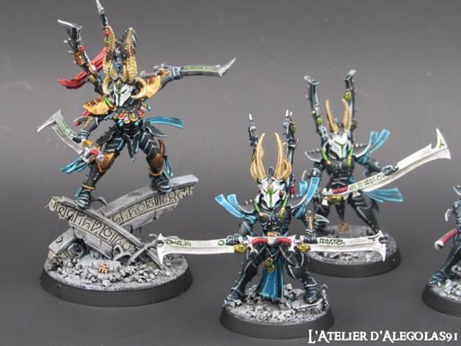 Figurines Eldars noirs et Genestealers cults