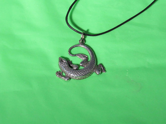 Sterling Silver Medium Curled Lizard Pendant
