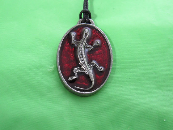 Pewter Epoxy Inlay Oval Lizard Necklace