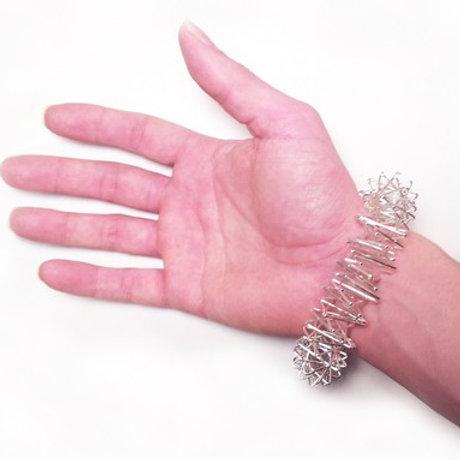 Bracelet massage