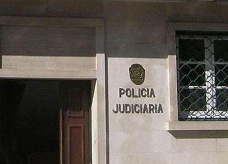 PJ LOCALIZOU NA AZAMBUJA CRIANÇA DE 6 ANOS FUGIDA DA HOLANDA COM A MÃE