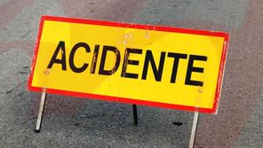 BOMBARRAL: COLISÃO ENTRE AUTOMÓVEL E DUAS MOTOS PROVOCA UM MORTO E UM FERIDO GRAVE