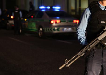 TORRES NOVAS: APREENSÃO DE ARMAS E DROGA EM PROCESSO DE VIOLÊNCIA DOMÉSTICA