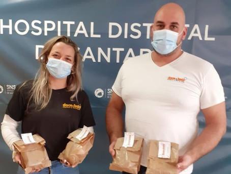 PASTELARIA DE RIO MAIOR ESTEVE HOJE NO HOSPITAL DE SANTARÉM A OFERECER SANDES E BOLOS AOS BOMBEIROS