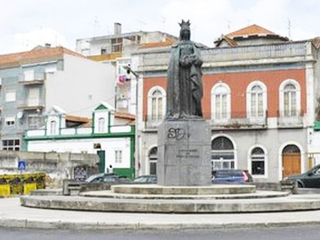 CALDAS DA RAINHA: ESTÁTUA DA RAINHA D. LEONOR COMPLETA HOJE 86 ANOS
