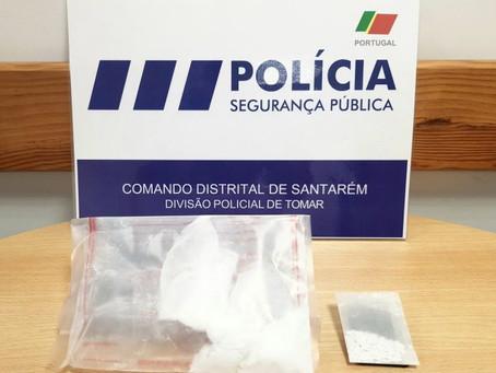 CONDUTOR APANHADO COM CARTA DE CONDUÇÃO FALSA TINHA NA SUA POSSE 232 DOSES DE COCAÍNA