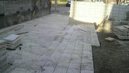 石畳み施工中