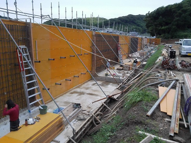 名古屋式L型擁壁