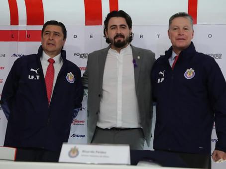 Presentan oficialmente a Peláez en Chivas
