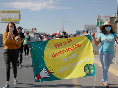 Marchan en contra del carril confinado