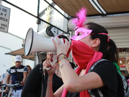 Galería del glitter rosa #NoMeCuidanMeViolan