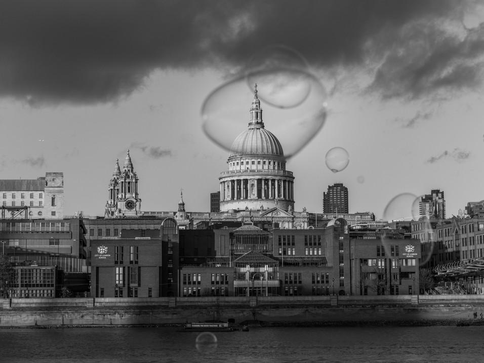 Bubbles before St Paul's