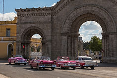 Pink is the colour in Havana.jpg