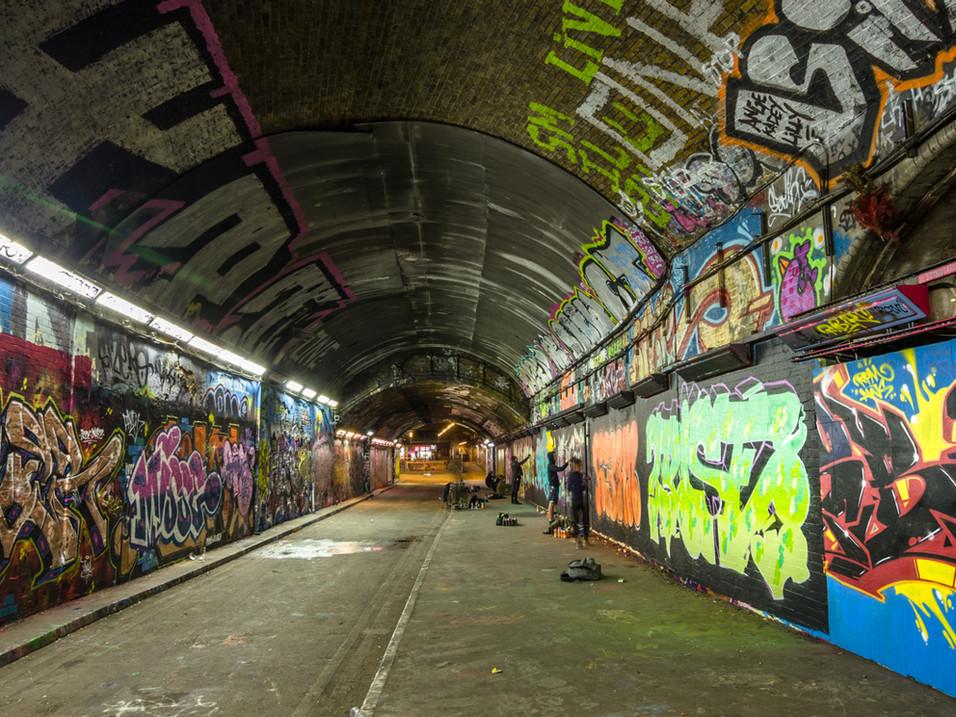 Graffiti Tunnel kids