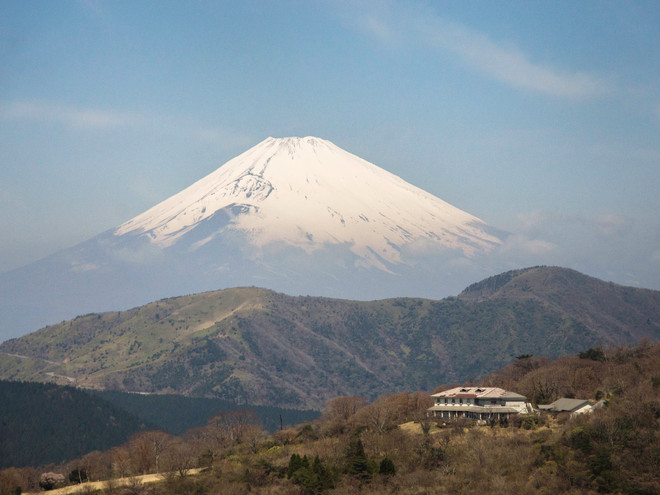 The house in front of Mount Fuji