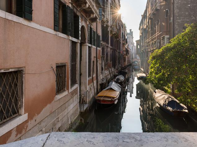 Lighting up the Venitian canals