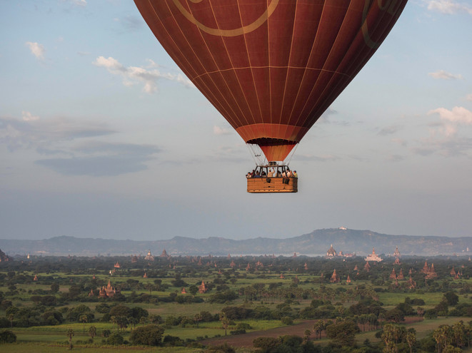 Close up hot-air ballooning, Bagan